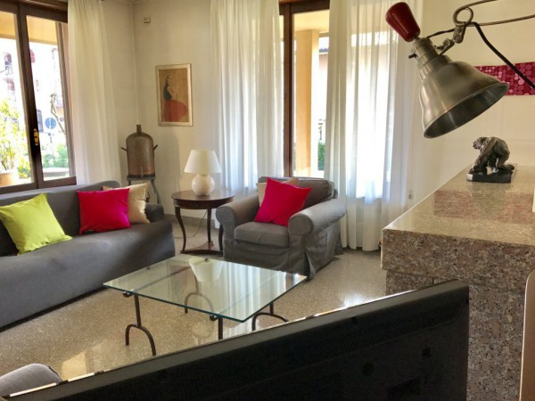 Villa in vendita a Sulbiate, 6 locali, prezzo € 585.000 | Cambio Casa.it