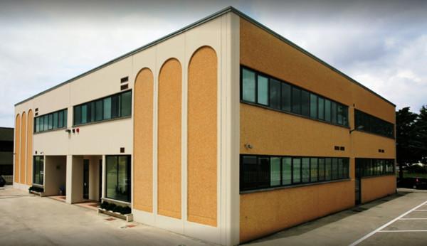 Immobile Commerciale in vendita a Foligno, 6 locali, prezzo € 1.200.000 | Cambio Casa.it