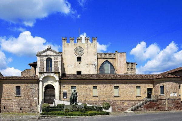 Villa-Villetta Villa in Affitto a Orzinuovi