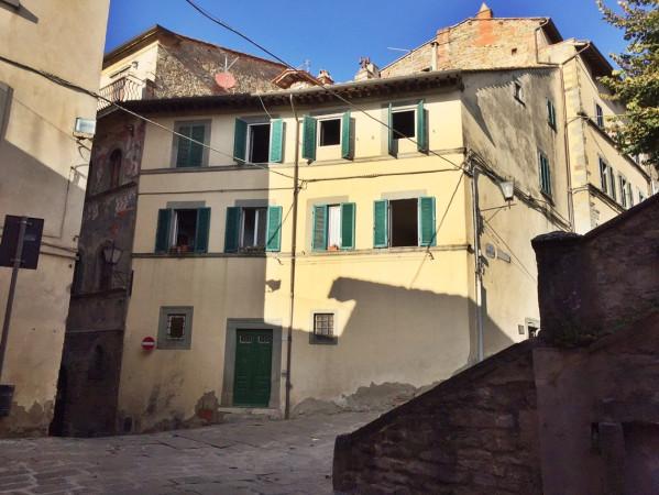 Casa indipendente in Vendita a Cortona Periferia: 5 locali, 300 mq