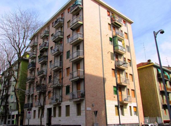 Appartamento in affitto a Milano, 1 locali, zona Zona: 14 . Lotto, Novara, San Siro, QT8 , Montestella, Rembrandt, prezzo € 550 | Cambio Casa.it