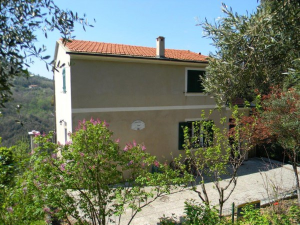 Villa in Vendita a Vezzi Portio Periferia: 5 locali, 145 mq