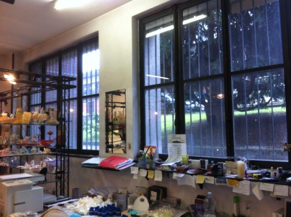 Laboratorio in affitto a Milano, 3 locali, zona Zona: 14 . Lotto, Novara, San Siro, QT8 , Montestella, Rembrandt, prezzo € 1.100 | Cambio Casa.it