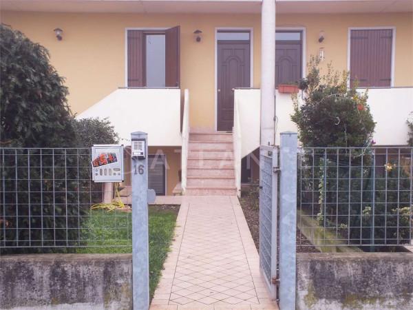 Appartamento in vendita a Roverbella, 3 locali, prezzo € 120.000 | Cambio Casa.it
