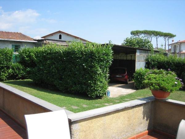 Villa in vendita a Seravezza, 4 locali, prezzo € 690.000 | Cambio Casa.it
