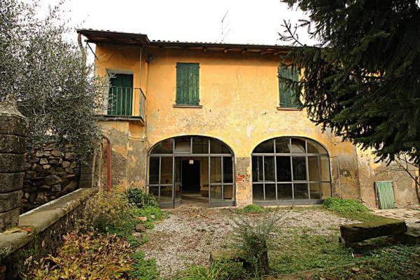Rustico / Casale in vendita a Passirano, 5 locali, prezzo € 245.000 | Cambio Casa.it