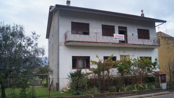 Villa in vendita a Dragoni, 6 locali, prezzo € 175.000 | Cambio Casa.it