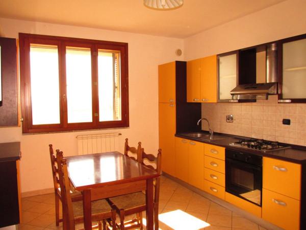 Appartamento in Vendita a Santa Maria A Monte Periferia: 2 locali, 48 mq