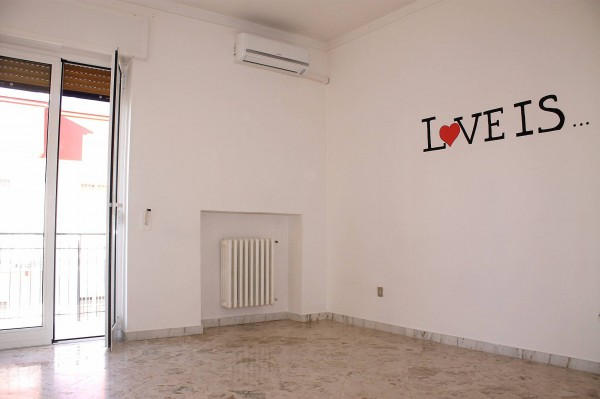 Appartamento in affitto a Valenzano, 4 locali, prezzo € 480 | Cambio Casa.it