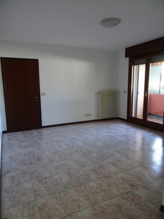 Appartamento in affitto a Fontanafredda, 4 locali, prezzo € 470 | Cambio Casa.it