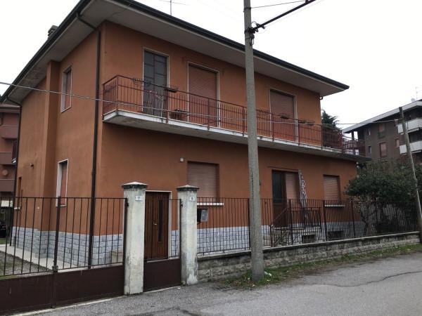 Villa in vendita a Parabiago, 6 locali, prezzo € 285.000 | Cambio Casa.it