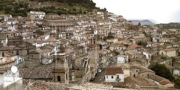Palazzo / Stabile in vendita a Cerchiara di Calabria, 6 locali, prezzo € 180.000 | Cambio Casa.it