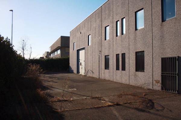 Capannone in affitto a Urgnano, 9999 locali, prezzo € 2.500   Cambio Casa.it