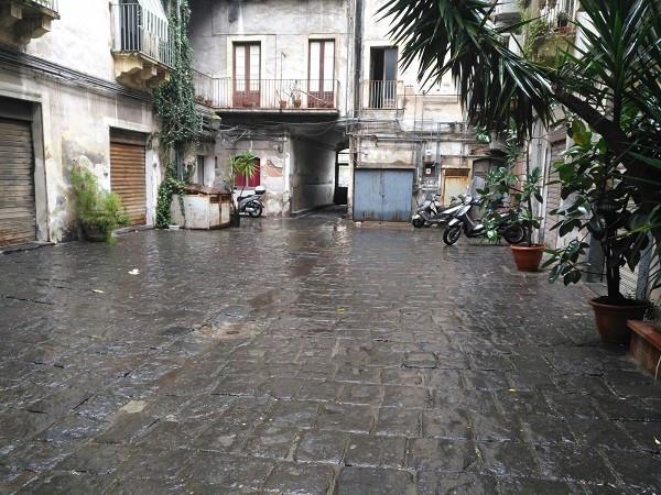 Magazzino in Affitto a Catania Centro: 1 locali, 18 mq