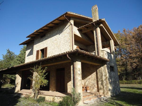 Villa in vendita a Massa Martana, 6 locali, prezzo € 565.000   Cambio Casa.it