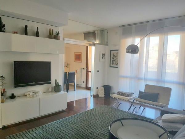 Appartamento in vendita a Modena, 3 locali, prezzo € 285.000 | Cambio Casa.it