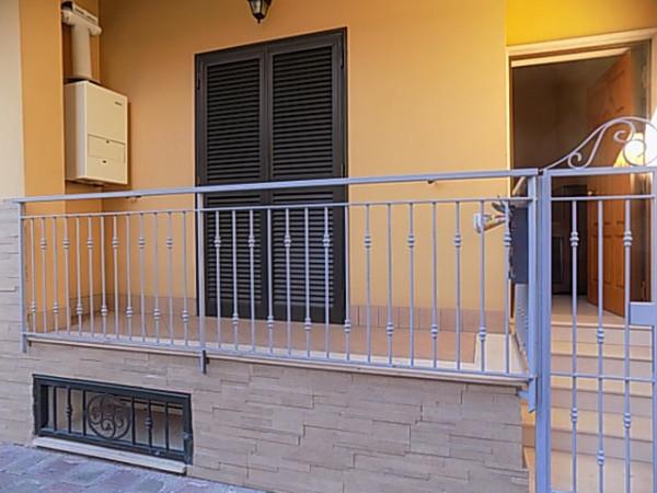Ufficio / Studio in affitto a Qualiano, 3 locali, prezzo € 350 | Cambio Casa.it