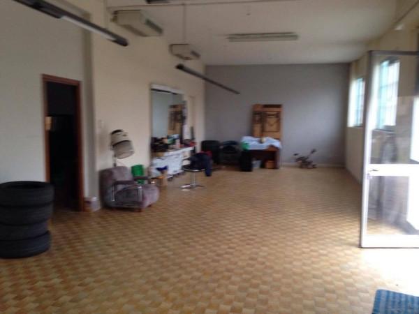 Laboratorio in vendita a Novi di Modena, 5 locali, prezzo € 200.000 | Cambio Casa.it