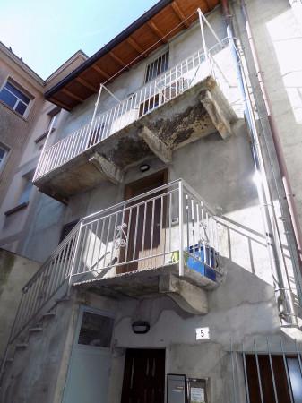Appartamento in affitto a Calolziocorte, 2 locali, prezzo € 250 | Cambio Casa.it