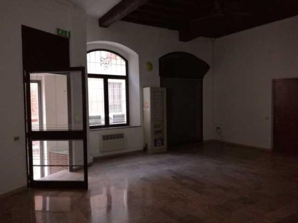 Negozio / Locale in vendita a Cremona, 3 locali, prezzo € 200.000 | Cambio Casa.it
