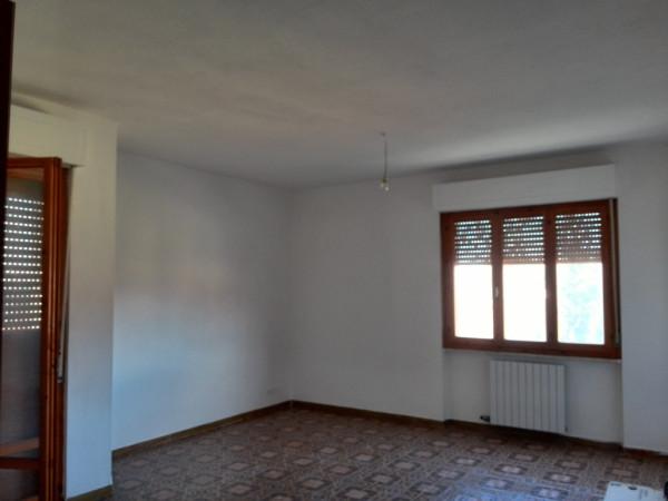 Appartamento in vendita a San Giuliano Terme, 5 locali, prezzo € 170.000 | Cambio Casa.it