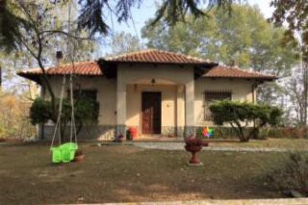 Villa in vendita a San Damiano d'Asti, 6 locali, prezzo € 390.000 | Cambio Casa.it