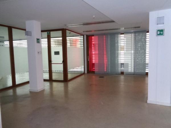 Ufficio / Studio in affitto a Cremona, 5 locali, prezzo € 2.000 | Cambio Casa.it