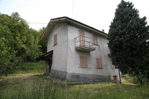 Villa in vendita a Cairo Montenotte, 4 locali, prezzo € 95.000 | Cambio Casa.it
