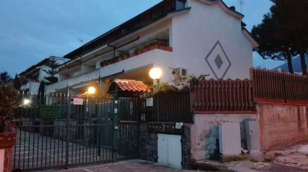 Appartamento in affitto a San Sebastiano al Vesuvio, 6 locali, prezzo € 1.200 | Cambio Casa.it