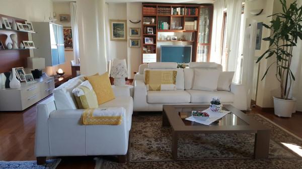 Appartamento in vendita a Arcore, 4 locali, prezzo € 495.000 | Cambio Casa.it
