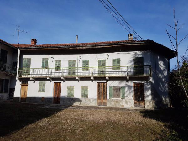 Rustico / Casale in vendita a Albugnano, 6 locali, prezzo € 130.000 | CambioCasa.it