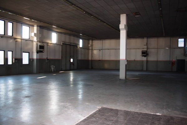 Capannone in vendita a Urgnano, 9999 locali, Trattative riservate | Cambio Casa.it