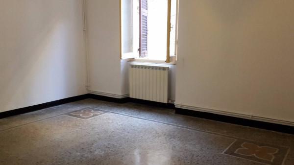 Appartamento in Vendita a Genova Semicentro Est: 2 locali, 65 mq