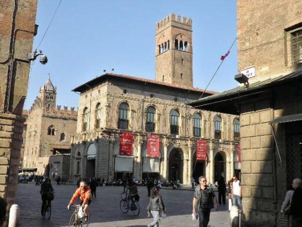Negozio / Locale in affitto a Bologna, 3 locali, zona Zona: 1 . Centro Storico, prezzo € 12.000 | Cambio Casa.it