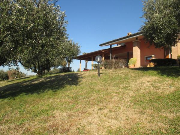 Villa in vendita a Castelnuovo del Garda, 6 locali, prezzo € 750.000 | Cambio Casa.it