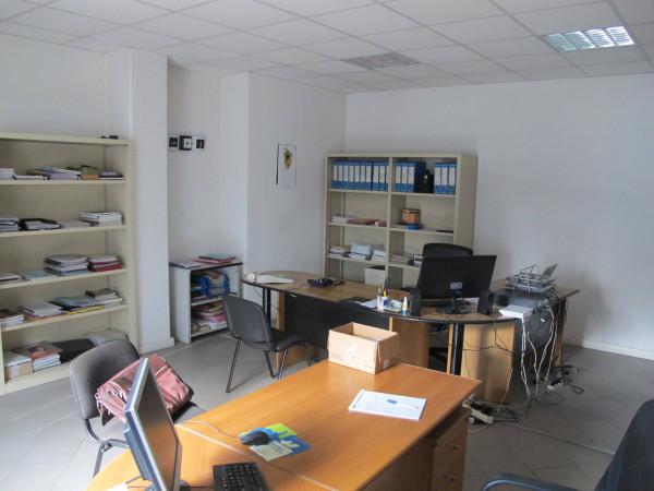 Ufficio-studio in Vendita a Pistoia Periferia Est: 5 locali, 268 mq