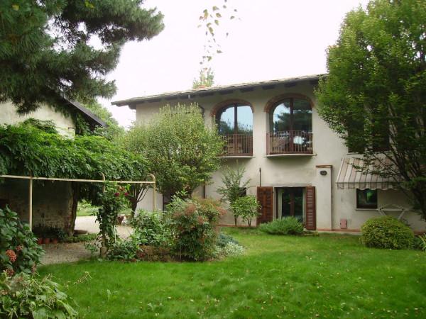 Villa in vendita a Cavour, 6 locali, prezzo € 490.000 | CambioCasa.it
