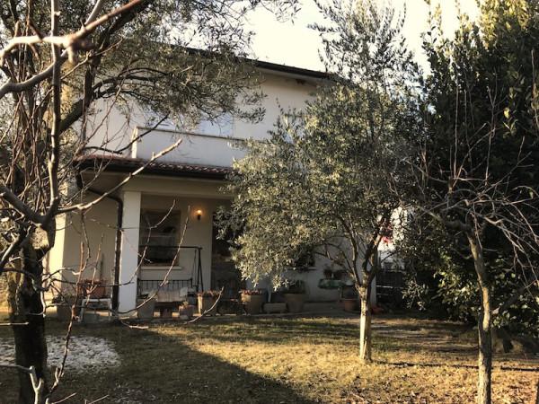 Villa in Vendita a Monticelli Brusati