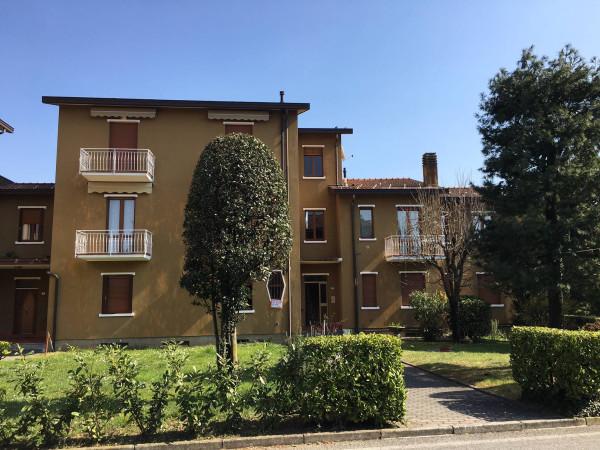 Appartamento in vendita a Barzanò, 2 locali, prezzo € 75.000   Cambio Casa.it