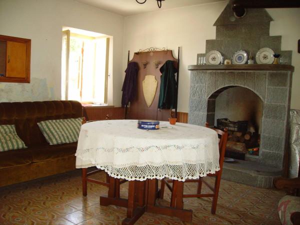 Rustico / Casale in vendita a Cavour, 4 locali, prezzo € 35.000 | Cambio Casa.it
