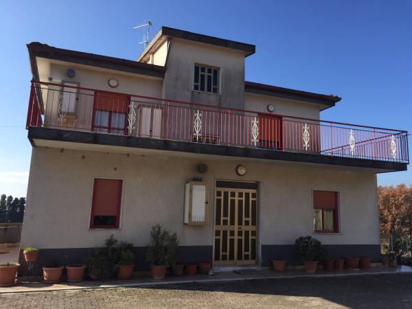 Villa in vendita a Giffoni Valle Piana, 6 locali, prezzo € 390.000 | Cambio Casa.it