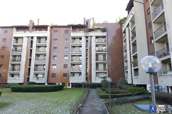 Appartamento in affitto a Milano, 5 locali, zona Zona: 13 . Baggio, Forze Armate, Quinto Romano, Bisceglie, Valsesia, prezzo € 1.100 | Cambio Casa.it