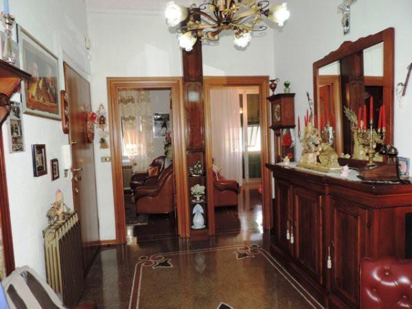 Appartamento in vendita a Savona, 5 locali, prezzo € 260.000 | Cambio Casa.it