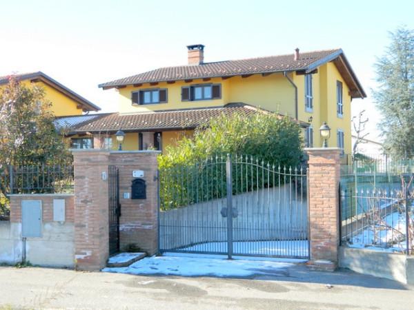 Villa in Vendita a Valfenera Periferia: 5 locali, 232 mq