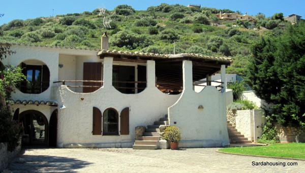 Villa in vendita a Maracalagonis, 5 locali, prezzo € 690.000 | Cambio Casa.it