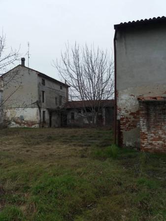 Rustico / Casale in vendita a Pieve San Giacomo, 6 locali, prezzo € 1.000 | CambioCasa.it