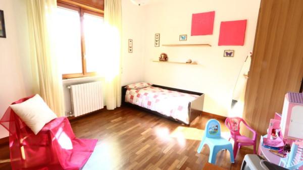 Villa in vendita a San Giuliano Milanese, 4 locali, prezzo € 325.000 | Cambio Casa.it