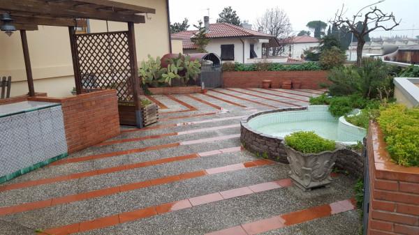 Appartamento in Affitto a Cascina Centro: 5 locali, 120 mq