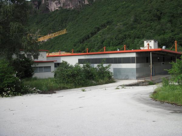 Capannone in Vendita a Ora Periferia: 5526 mq  - Foto 1
