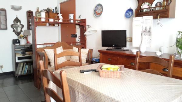 Appartamento in Vendita a Genova Semicentro: 2 locali, 65 mq